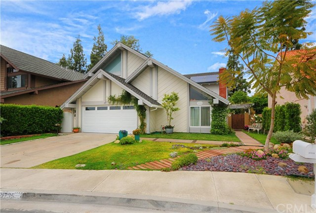 Single Family Home for Sale at 21735 Rimrock St Lake Forest, California 92630 United States