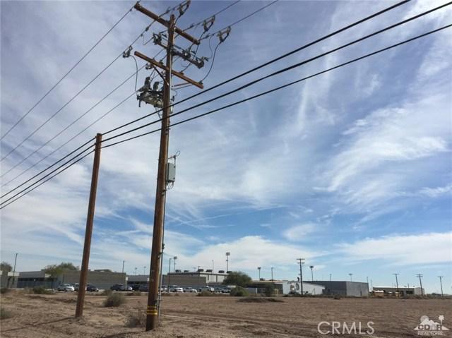 701 W Main Street, Calipatria CA: http://media.crmls.org/medias/6eda5fb3-e0a8-47f4-823a-cd1fd58a1516.jpg