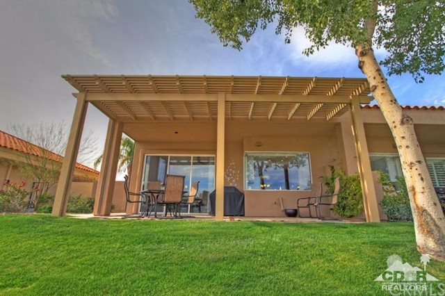 39 Colonial Drive, Rancho Mirage CA: http://media.crmls.org/medias/6eec45ed-7884-4ad2-b034-316417917209.jpg