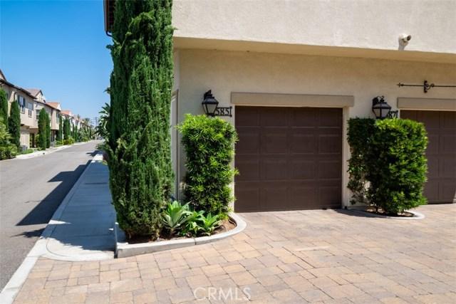 585 S Kroeger St, Anaheim, CA 92805 Photo 2