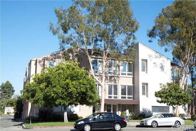 Commercial for Sale at 3948 Long Beach Boulevard 3948 Long Beach Boulevard Long Beach, California 90807 United States