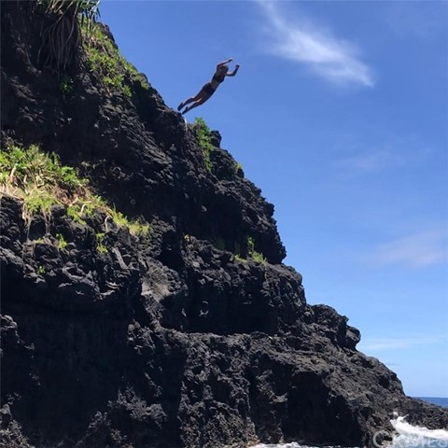 1 Teahupo'o, Outside Area (Outside U.S.) Foreign Country CA: http://media.crmls.org/medias/6f140288-5abd-4441-8b21-c7c2c645e621.jpg
