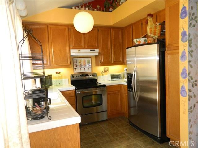 19 Alumbre, Rancho Santa Margarita CA: http://media.crmls.org/medias/6f18e703-7c5c-4398-a096-7a3c56fd5a8c.jpg