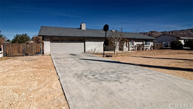 22638 South Road Apple Valley, CA 92307 - MLS #: EV18031939