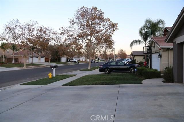 1280 Stephanie Drive, Corona CA: http://media.crmls.org/medias/6f584cad-41d4-44f6-bfc4-8aa500f68734.jpg