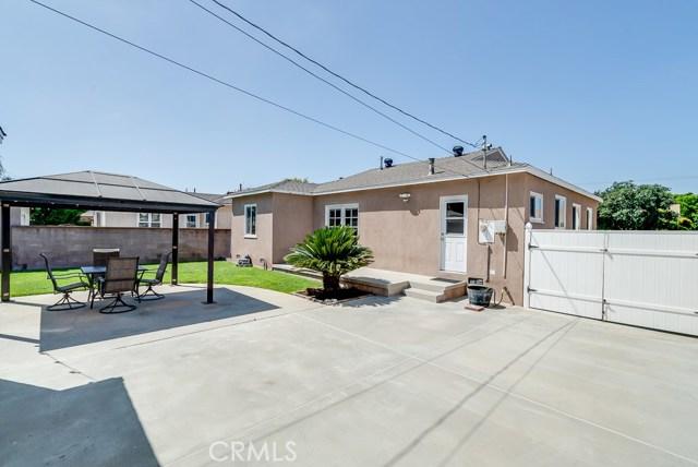 4432 Petaluma Avenue, Lakewood CA: http://media.crmls.org/medias/6f5a86ef-47d0-482c-8140-ad3712cf44bd.jpg