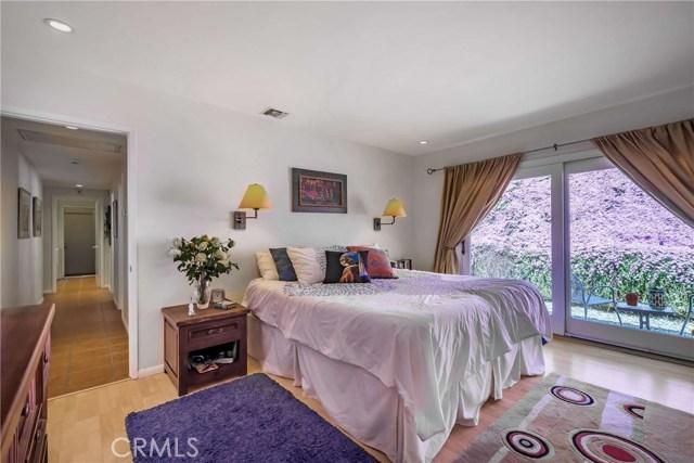 2756 N Mountain Avenue, Claremont CA: http://media.crmls.org/medias/6f637a5c-b9ca-4863-aa4a-fdaf6b0be0ba.jpg