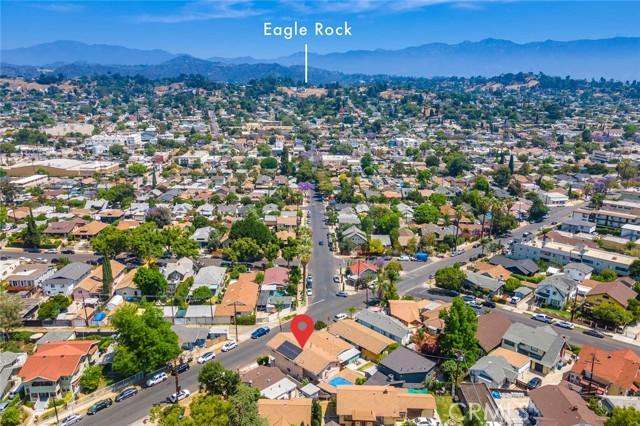 5682 ALDAMA Street, Highland Park CA: http://media.crmls.org/medias/6f63c8e6-4e94-48da-a4a1-86fe1b985724.jpg