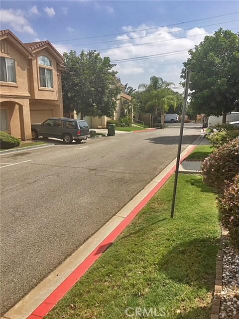 13660 1/2 Dronfield Avenue, Sylmar CA: http://media.crmls.org/medias/6f799061-dcab-4b7b-b54e-e6b2c768eb78.jpg