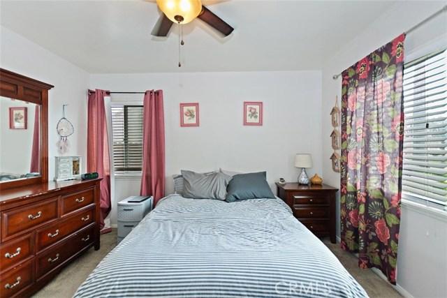 488 E 16th Street, San Bernardino CA: http://media.crmls.org/medias/6f83bc65-114d-4298-b889-2333210ab1b8.jpg