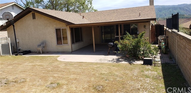 28257 Winterdale Drive, Canyon Country CA: http://media.crmls.org/medias/6f89c5e6-30c3-4e7f-971f-ab8605c6597e.jpg