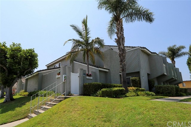Photo of 8288 Constantine Drive, Huntington Beach, CA 92646