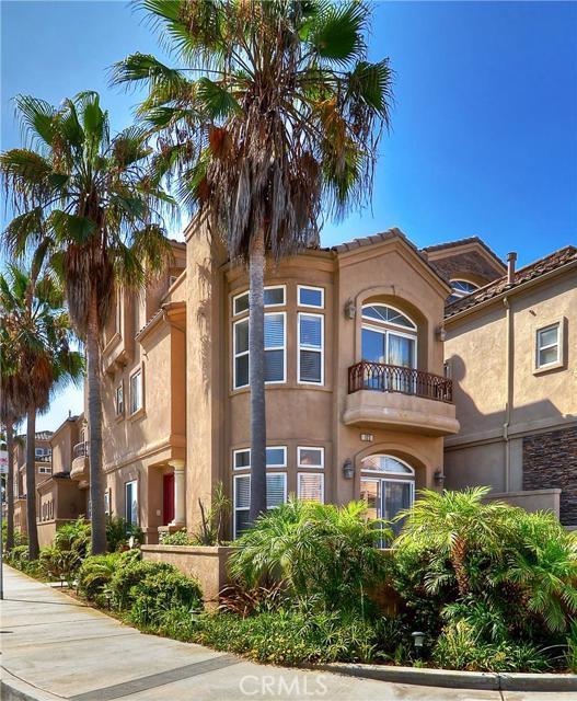 Single Family Home for Sale at 122 19th Street Huntington Beach, California 92648 United States