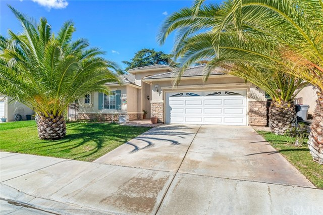 1565 Mountain View  Beaumont CA 92223