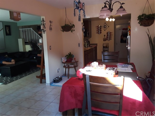 Additional photo for property listing at 9800 Vesper Avenue  Panorama City, California 91402 United States