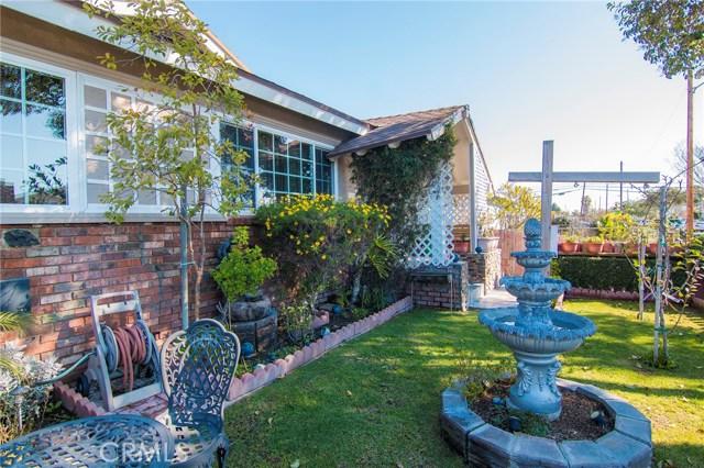 4115 W 161st W Street, Lawndale CA: http://media.crmls.org/medias/6fb941f4-be1a-42b5-bdcc-c65581b150e1.jpg