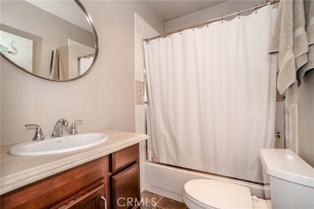 5231 Norwich Avenue, Sherman Oaks CA: http://media.crmls.org/medias/6fc5d3f0-d948-4bbe-8570-a984d2c03483.jpg