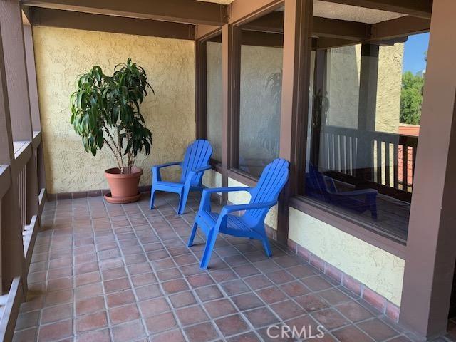 5950 Buckingham Parkway, Culver City CA: http://media.crmls.org/medias/6fddad80-9135-41f4-97b9-d2ae044cd669.jpg