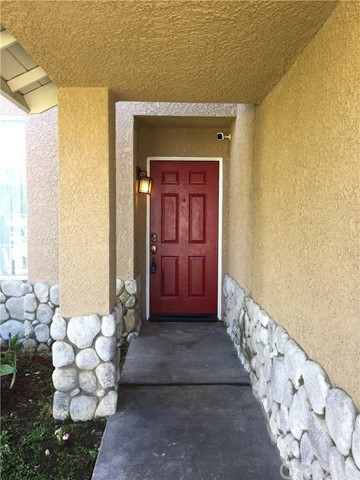 5193 Sierra Cross Way, Riverside CA: http://media.crmls.org/medias/6fe5d996-7248-4a53-9c26-4040465945fc.jpg
