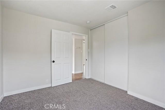1086 W 10th Street, San Bernardino CA: http://media.crmls.org/medias/6fee5fc4-a000-4608-80ed-e7e6ce20dacb.jpg