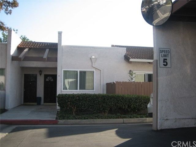 Photo of 17532 Vandenberg Lane #4, Tustin, CA 92780