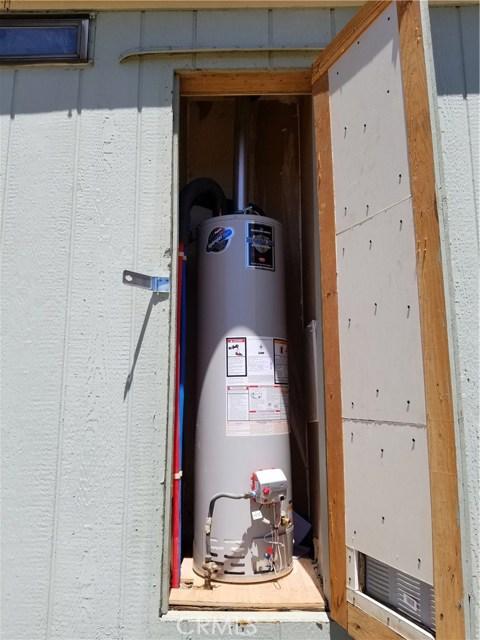 39675 Anza Trail West, Anza CA: http://media.crmls.org/medias/7014ef91-cc43-4294-a0f3-42db699110f8.jpg