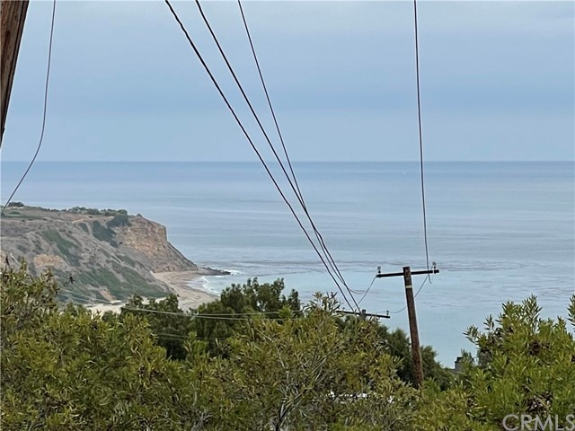 30 Peppertree Drive, Rancho Palos Verdes CA: http://media.crmls.org/medias/70328ea5-5ec9-4e9d-8f91-d720db305e86.jpg