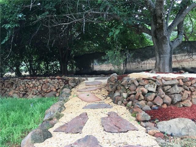 16496 Hacienda Court, Hidden Valley Lake CA: http://media.crmls.org/medias/70354b2f-a219-4070-88eb-86b994284c8a.jpg