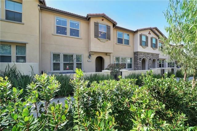 124 S Auburn Heights Lane, Anaheim Hills CA: http://media.crmls.org/medias/7040b53c-9c88-44e8-9f0f-52deb19cf55d.jpg