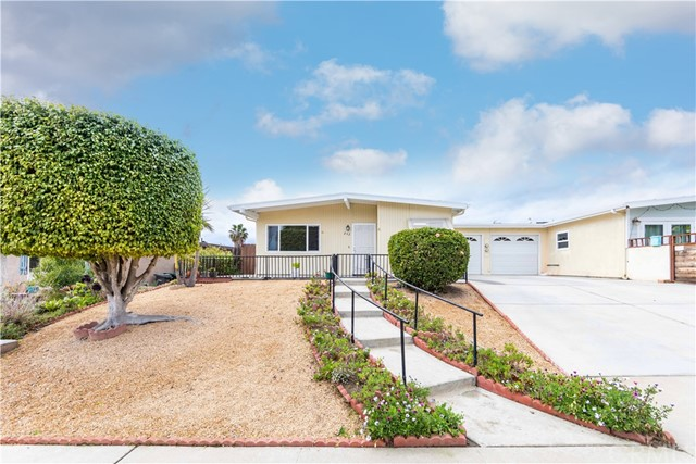 Detail Gallery Image 1 of 1 For 242 Gloxina St, Encinitas,  CA 92024 - 2 Beds | 2 Baths