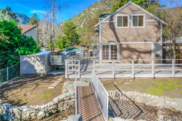 Single Family Home for Sale at 289 Alder Way 289 Alder Way Lytle Creek, California 92358 United States