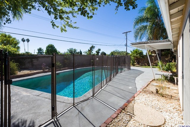 16446 Armstead Street, Granada Hills CA: http://media.crmls.org/medias/7054a57d-2b06-4a79-ada1-d5505485b8c4.jpg