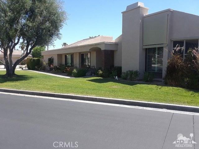 68107 Seven Oaks Drive, Cathedral City CA: http://media.crmls.org/medias/705703b6-8abb-488e-9581-c2d474e98ac4.jpg