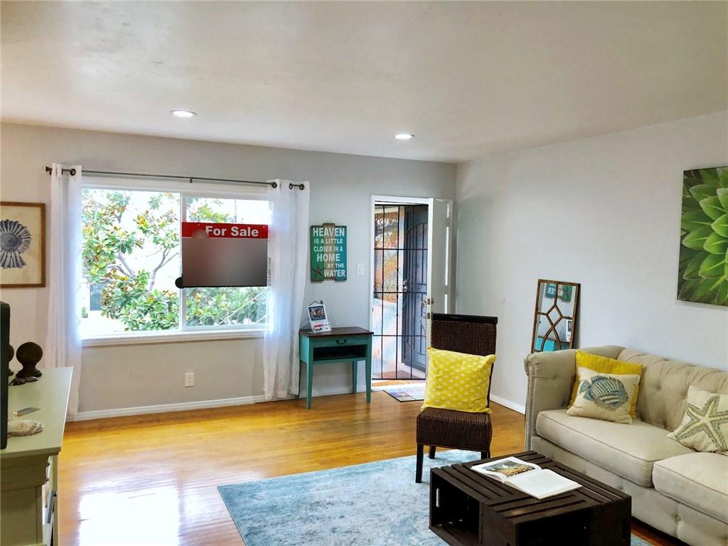 100 Cerritos Avenue, Long Beach CA: http://media.crmls.org/medias/70636af5-08f5-45a3-ab6f-bf1a69d3be12.jpg