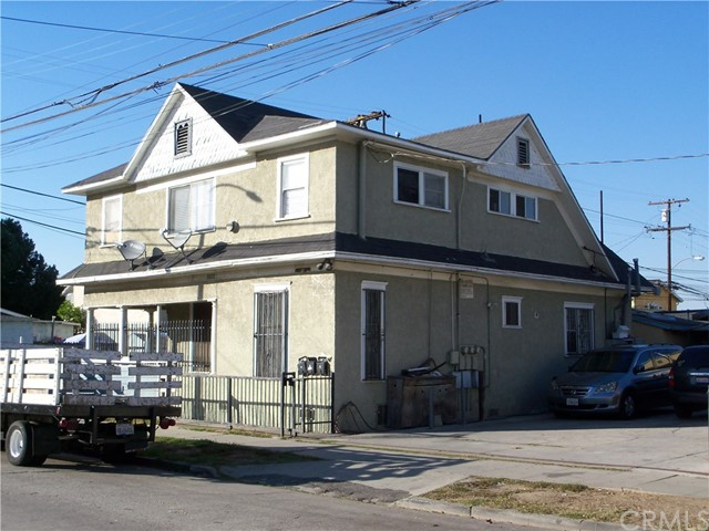 Triplex for Sale at 1125 E 17th Street 1125 E 17th Street Long Beach, California 90813 United States