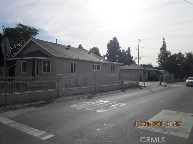 1050 W Walnut, Santa Ana CA: http://media.crmls.org/medias/70763c98-55f1-4a46-94ac-3ad0c071d2a3.jpg