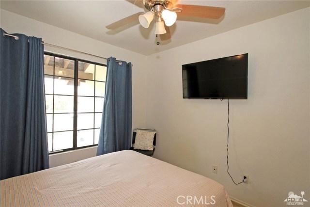 43750 Texas Avenue, Palm Desert CA: http://media.crmls.org/medias/70823f81-8f74-4868-80af-4bc9bd995643.jpg