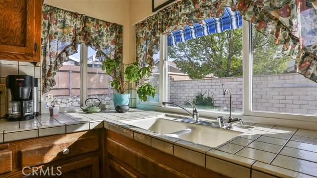 1322 Lanfair Street, Redlands CA: http://media.crmls.org/medias/7084d743-da07-47d5-9b4f-846566857d41.jpg
