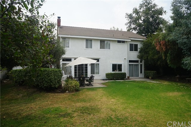 6633 Brownstone Place, Rancho Cucamonga CA: http://media.crmls.org/medias/70a18382-a107-4c0b-bcad-405a318d100e.jpg