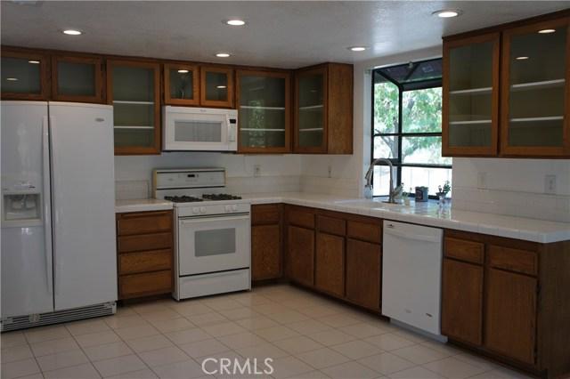 902 Vista Mesa Court, Duarte CA: http://media.crmls.org/medias/70a77619-57cc-407a-98e5-e632d72a19eb.jpg