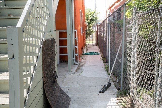422 N Reno Street Los Angeles, CA 90026 - MLS #: CV18103008