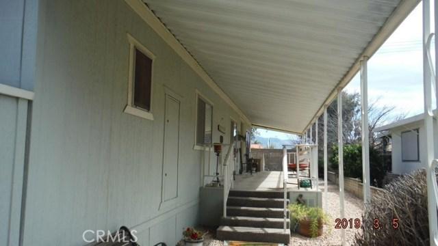 1466 Bishop Drive, Hemet CA: http://media.crmls.org/medias/70d449ba-37e8-4abd-bea9-6996d4a40fcd.jpg