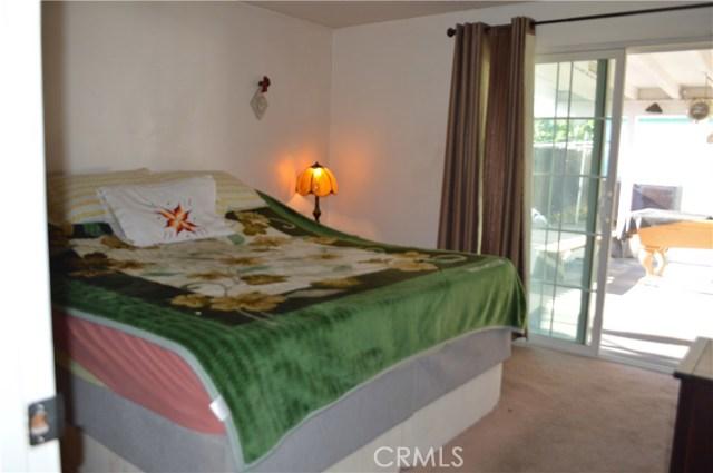 25474 Gentian Avenue, Moreno Valley CA: http://media.crmls.org/medias/70e36544-b46b-4d56-86d8-a09a23a2d69b.jpg
