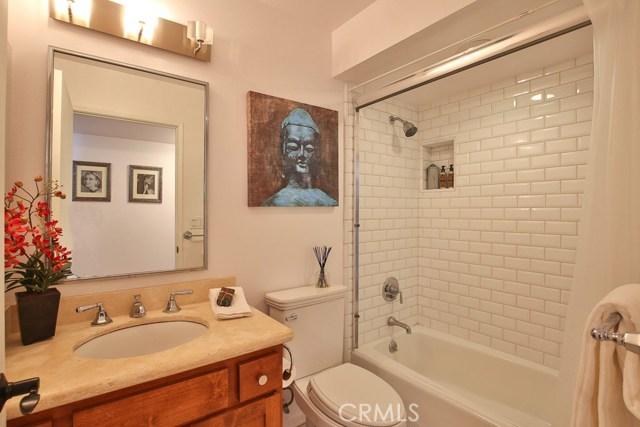 1639 Camden Avenue, Los Angeles CA: http://media.crmls.org/medias/70ed15d1-f4d9-493d-8e45-03a3bf9c95cc.jpg