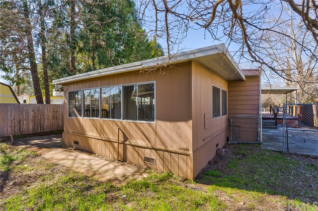 3562 Mountain View Street, Clearlake CA: http://media.crmls.org/medias/70f0b948-1a3c-44e2-ab9d-2038c6d76c08.jpg