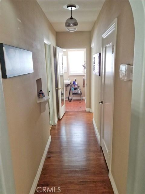 720 Winchester Avenue, Alhambra CA: http://media.crmls.org/medias/70fca5ea-83bf-4db3-99e5-f51043019138.jpg