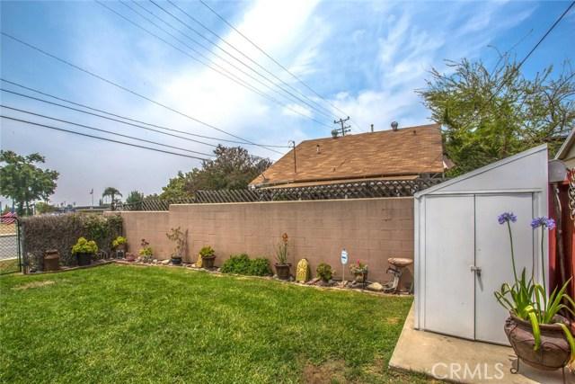 178 W 1st Street, Rialto CA: http://media.crmls.org/medias/7101fa57-8729-4556-b7e1-e82e929fe8a3.jpg