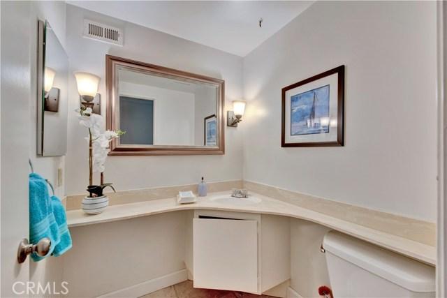 16191 Mount Erebus Court, Fountain Valley CA: http://media.crmls.org/medias/710283a9-0b59-4bcf-bb83-913f11557331.jpg
