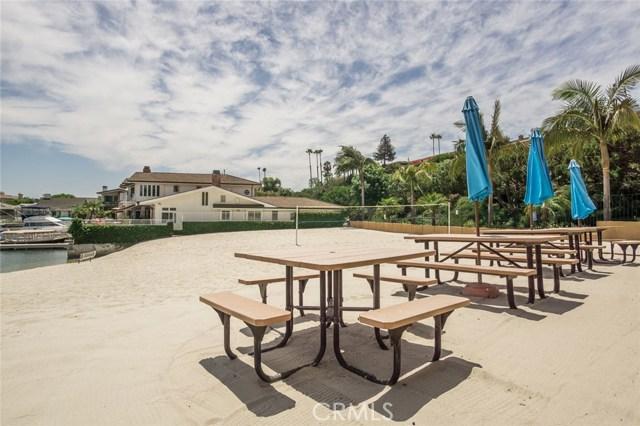 1734 Santiago Drive, Newport Beach CA: http://media.crmls.org/medias/71051cd9-3d73-47e8-8c70-592ad68c85c5.jpg