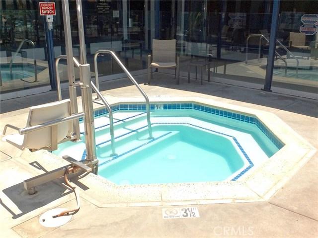 305 N Jade Cove, Long Beach CA: http://media.crmls.org/medias/7106aa34-a07f-4f0a-a246-91c42682563b.jpg